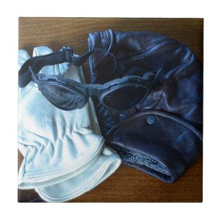 Casco gafas y guantes del vuelo azulejos