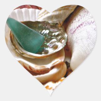 Casco verde pegatina en forma de corazón