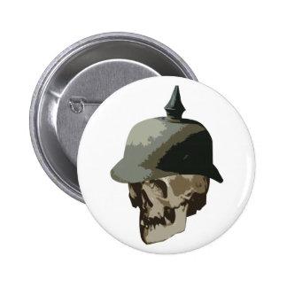 Casco WW1 y cráneo claveteados