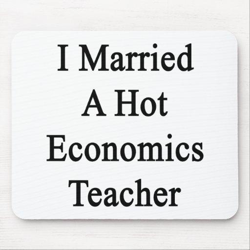 Casé a un profesor caliente de la economía tapete de ratones