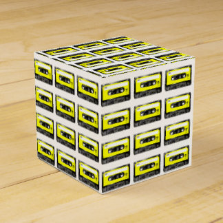 Casete amarillo de la etiqueta cajas para regalos