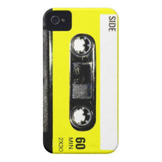Casete amarillo del vintage de la etiqueta iPhone 4 Case-Mate cárcasas