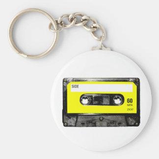 Casete amarillo del vintage de la etiqueta llavero personalizado