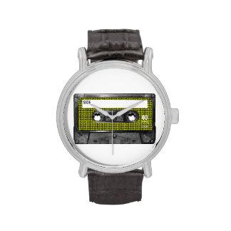 Casete amarillo y negro de la etiqueta de Houndsto Relojes