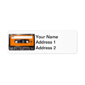 Casete anaranjado de la etiqueta etiqueta de remite