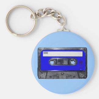 Casete azul de la etiqueta de los años 80 del vint llavero redondo tipo pin