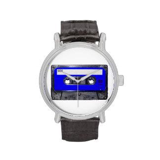 Casete azul de la etiqueta reloj de mano