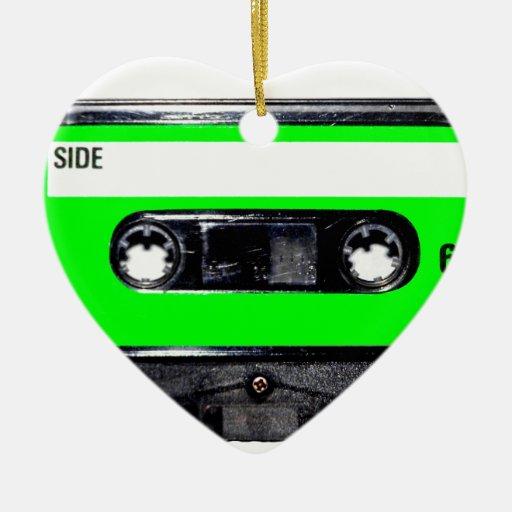 Casete de la etiqueta de la verde lima adorno de cerámica en forma de corazón