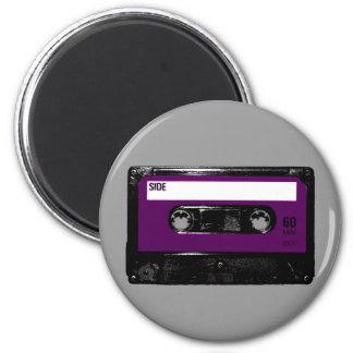 Casete púrpura de la etiqueta del vintage iman de frigorífico