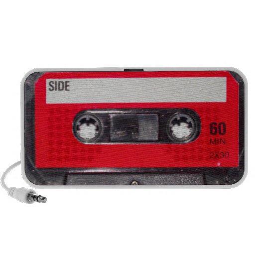 casete rojo de la etiqueta de los años 80 iPhone altavoz