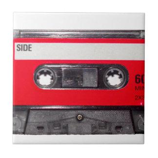 casete rojo de la etiqueta de los años 80 azulejo cuadrado pequeño