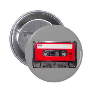 casete rojo de la etiqueta de los años 80 pin redondo de 2 pulgadas
