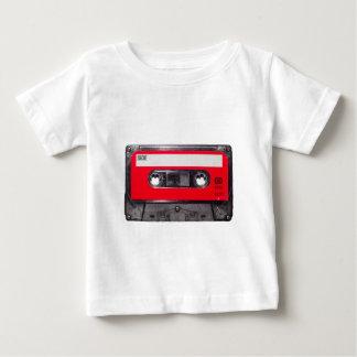 casete rojo de la etiqueta de los años 80 poleras