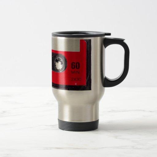 casete rojo de la etiqueta de los años 80 tazas de café