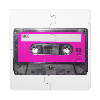 Casete rosado de la etiqueta posavasos de puzzle