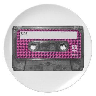 Casete rosado y negro de la etiqueta de Houndstoot Plato De Comida
