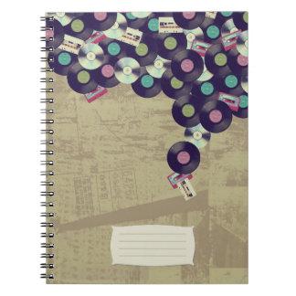 Casetes, expedientes, y cuaderno de los Cdes