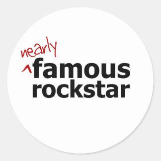 (Casi) estrella del rock famosa Etiquetas Redondas