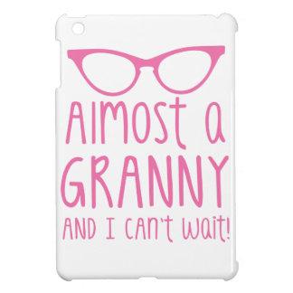 ¡Casi una abuelita y yo no podemos ESPERAR!