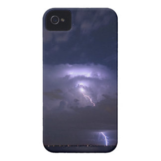 Caso de aligeramiento iPhone 4 protectores