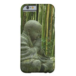 Caso de bambú del iPhone 6 de Buda Funda De iPhone 6 Barely There