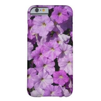 Caso de Barely There del iPhone 6 de las petunias Funda Barely There iPhone 6