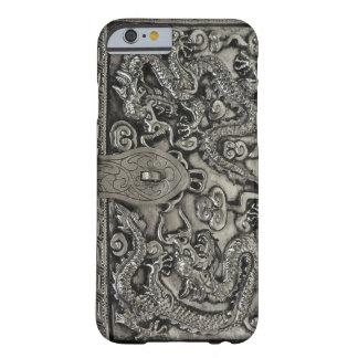 caso de plata antiguo del iPhone 6 del dragón