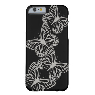 Caso de plata del negro de la mariposa funda de iPhone 6 barely there