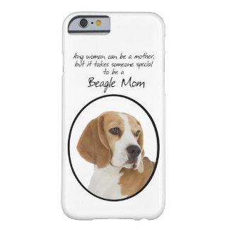 Caso de Smartphone de la mamá del beagle Funda De iPhone 6 Barely There