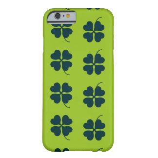 Caso del día de St Patrick Funda Barely There iPhone 6