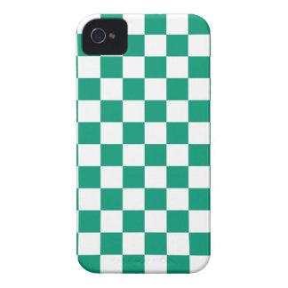 Caso del iPhone 4 4s del tablero de damas en verde iPhone 4 Case-Mate Fundas