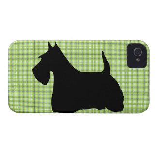 Caso del iphone 4 de la silueta del perro de iPhone 4 Case-Mate coberturas