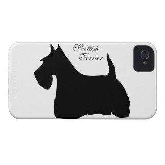 Caso del iphone 4 de la silueta del perro de iPhone 4 Case-Mate cárcasa