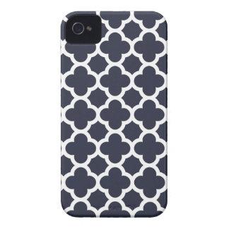 Caso del iPhone 4S de Quatrefoil en azules marinos