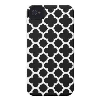 Caso del iPhone 4S de Quatrefoil en blanco y negro Carcasa Para iPhone 4