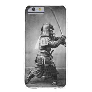 Caso del iPhone 6 de la foto del samurai Funda De iPhone 6 Barely There