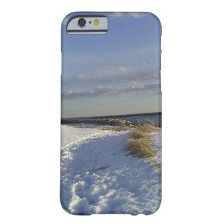 Caso del iPhone 6 de la playa del invierno apenas Funda Para iPhone 6 Barely There