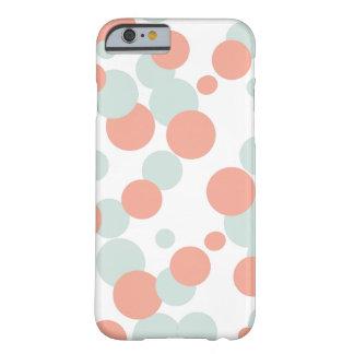 Caso del iPhone 6 de las burbujas del coral y de Funda Para iPhone 6 Barely There