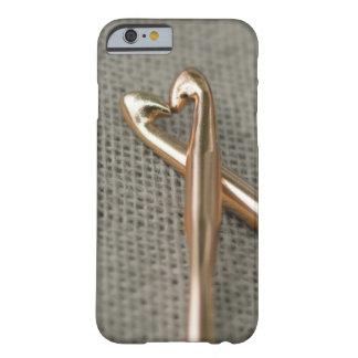 Caso del iPhone 6 de los amantes del ganchillo Funda De iPhone 6 Barely There