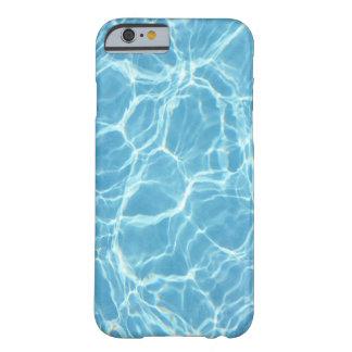 Caso del iPhone 6 del agua de la piscina Funda De iPhone 6 Barely There