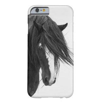 Caso del iPhone 6 del caballo salvaje del retrato Funda Para iPhone 6 Barely There