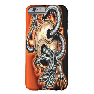 Caso del iPhone 6 del dragón de Yin Yang Funda De iPhone 6 Barely There