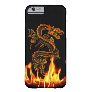 Caso del iPhone 6 del dragón del fuego de la Funda De iPhone 6 Barely There