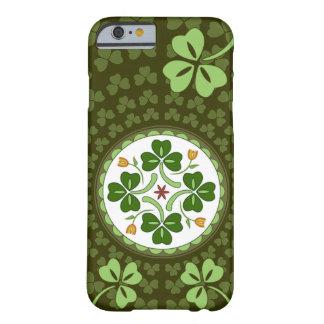 caso del iPhone 6 - maleficio irlandés de la buena Funda De iPhone 6 Barely There