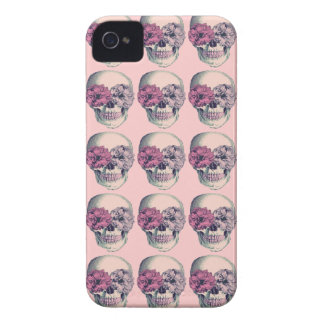 Caso del iPhone de los cráneos y de las flores iPhone 4 Protector