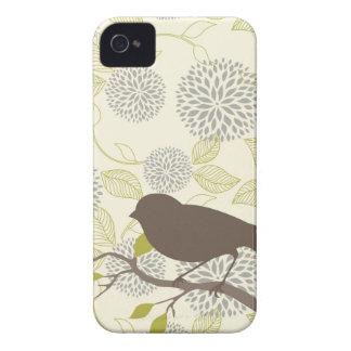 Caso del iPhone del pájaro y de la flor Case-Mate iPhone 4 Cobertura