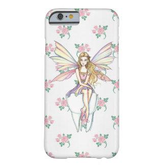 Caso femenino del iPhone lindo 5 del ratoncito Funda Barely There iPhone 6
