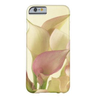 Caso floral del iPhone 6 de Lilly de la cala Funda De iPhone 6 Barely There