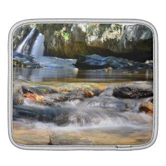 Caso hermoso de IPad de las cascadas Funda Para iPads