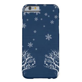 Caso hivernal del iPhone del copo de nieve de las Funda Para iPhone 6 Barely There